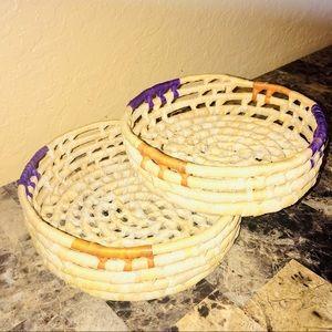 Set of 2 woven baskets